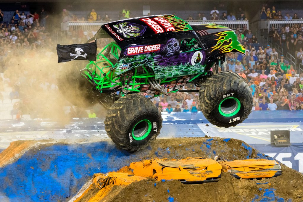 Monster Jam Triple Threat Series™